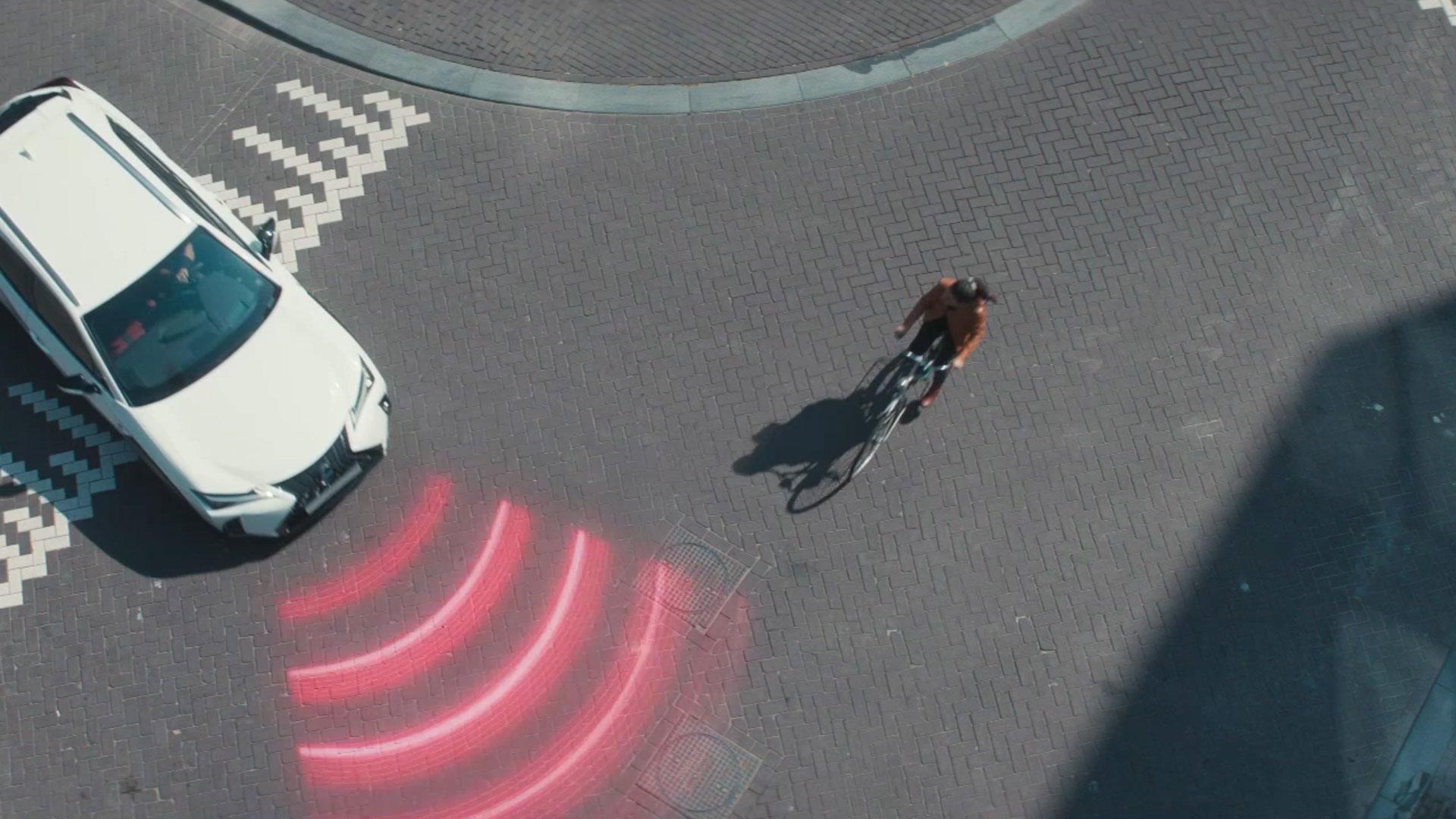 2018 lexus ux interactive technology safety pedestrian detection