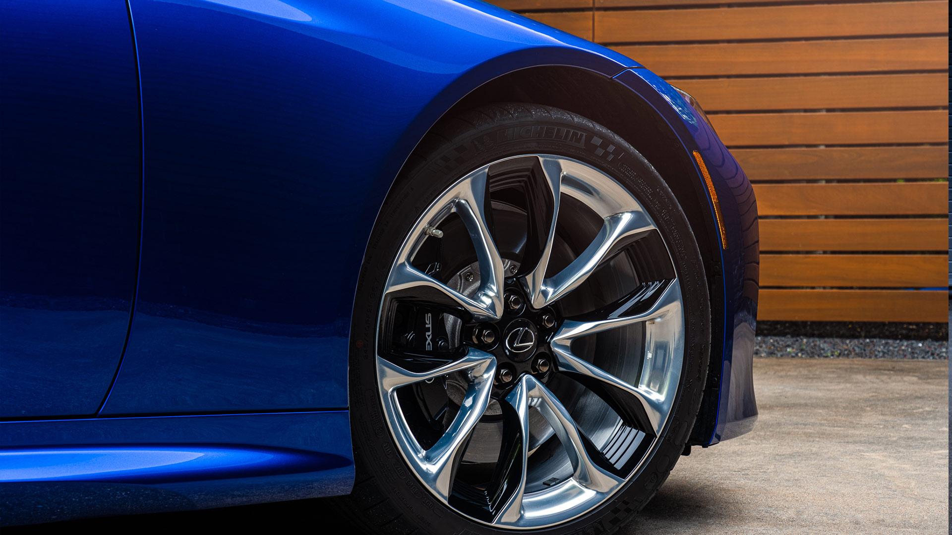 Lexus LC profil