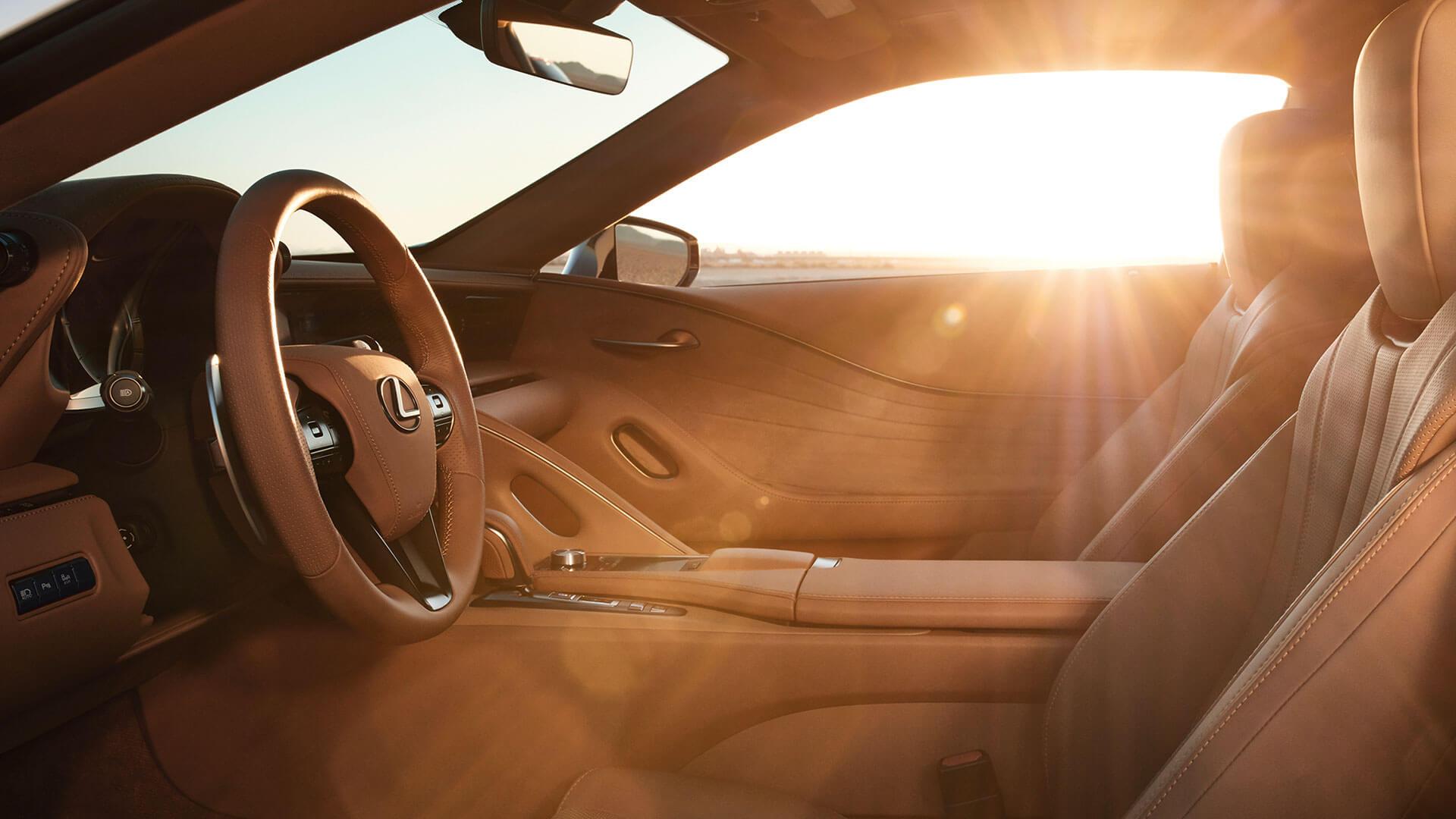 Lexus LC Interior Sonnenuntergang