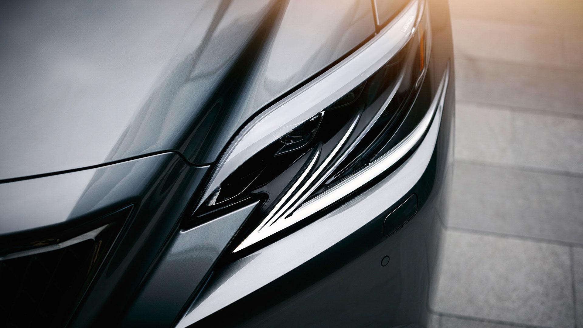 Lexus LS Scheinwerfer