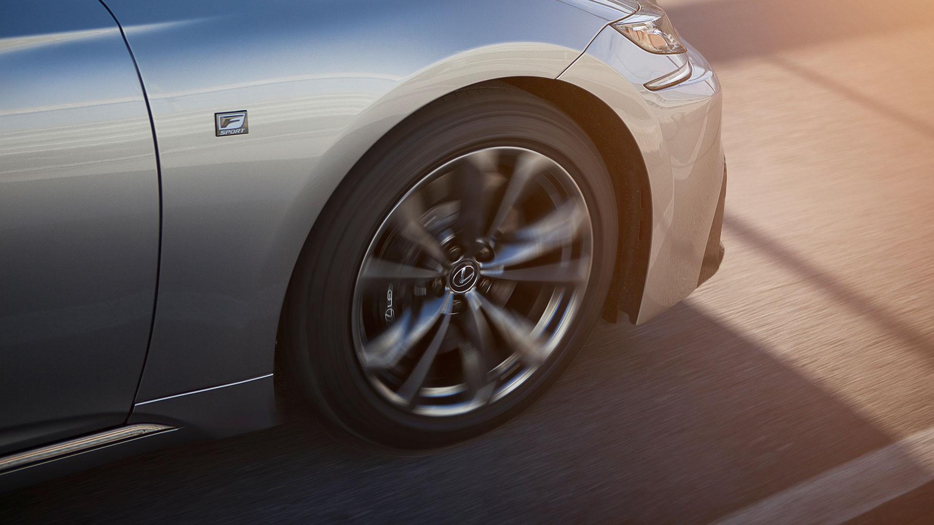 Lexus LS Rad