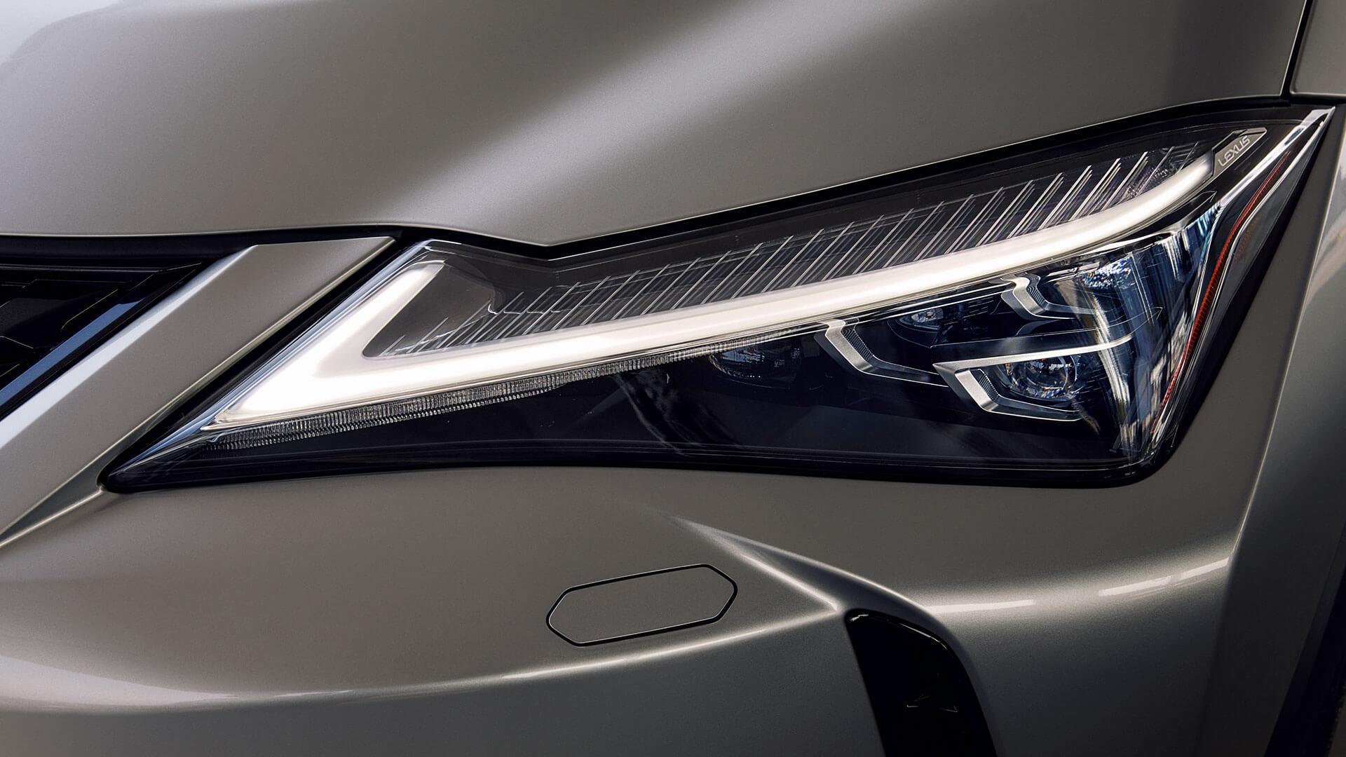 Lexus UX Scheinwerfer
