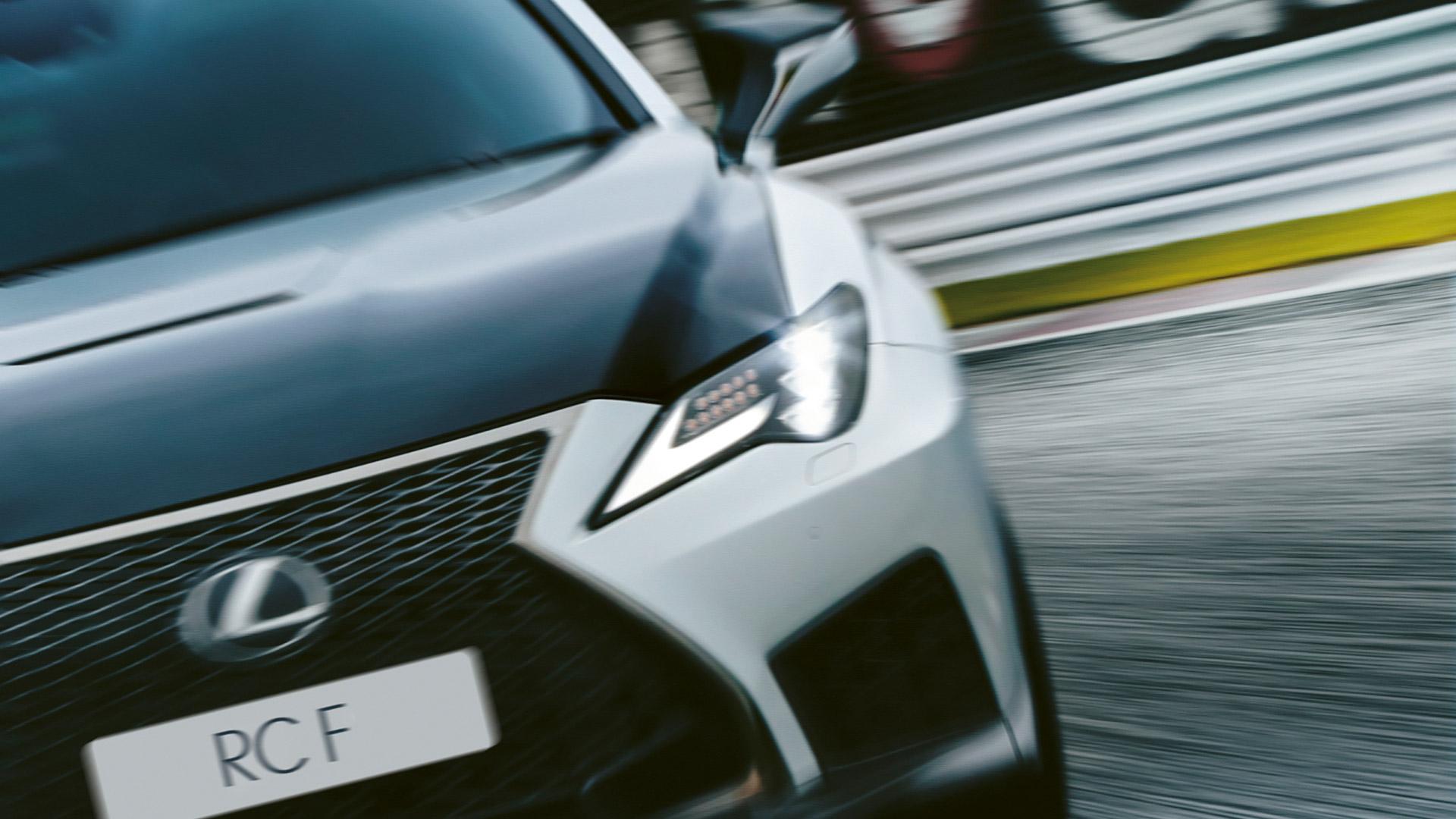 Lexus RC F vorne Scheinwerfer