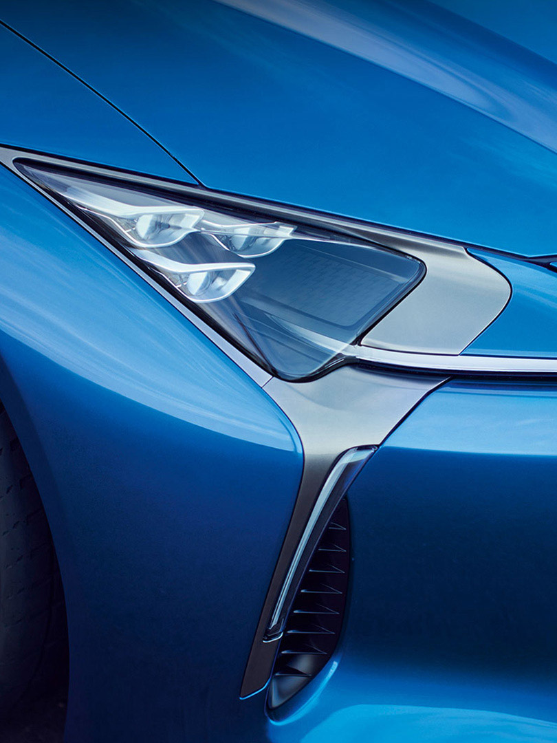 Lexus RC F 2019 in blau