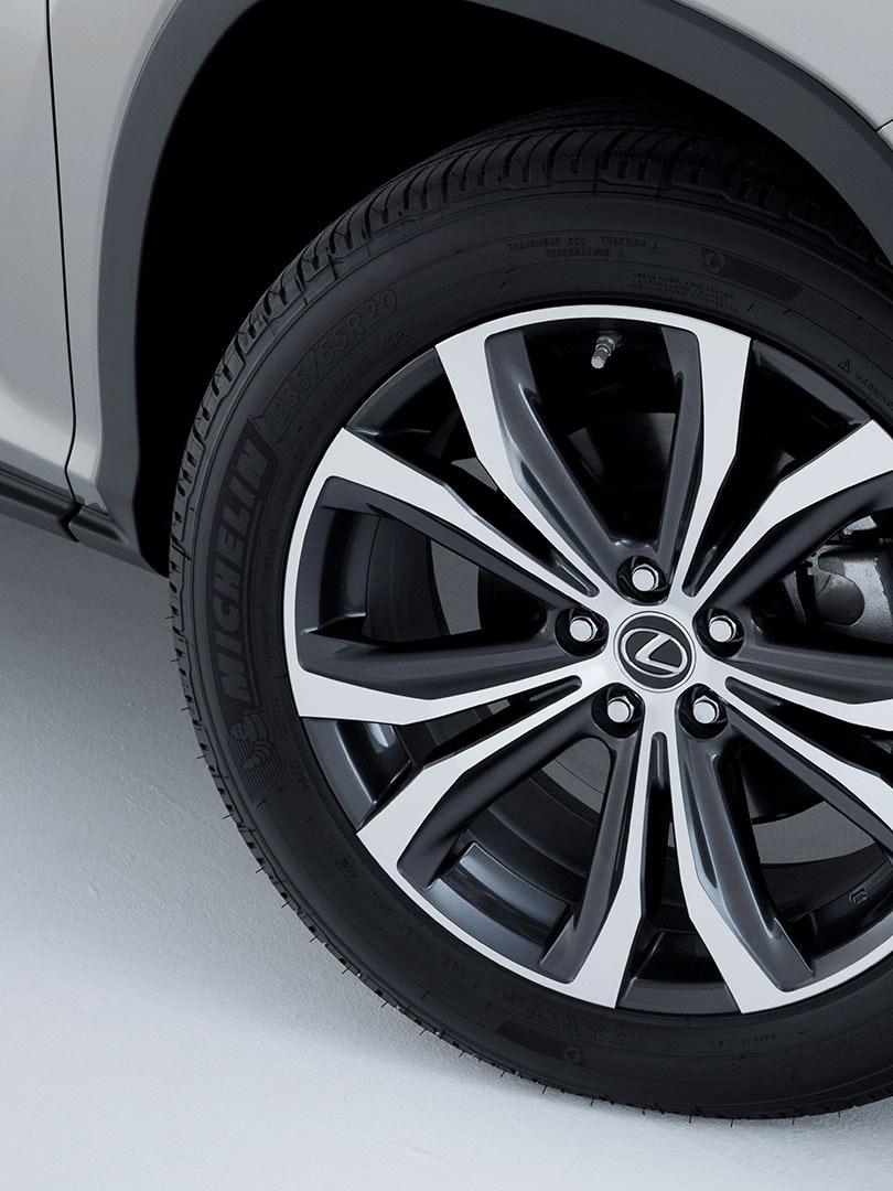 Reifen des Lexus RX 450 L Hybrid 2019