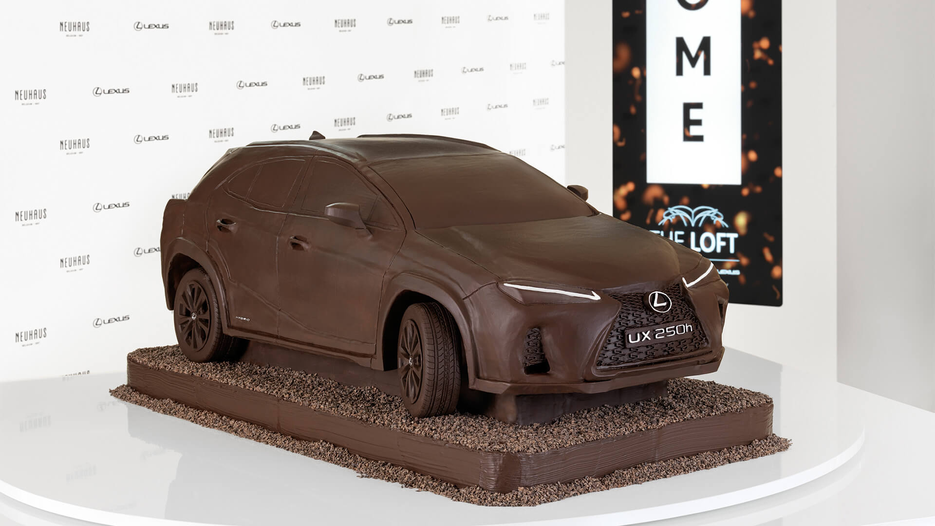 2019 lexus lounge UX Chocolate Car 1920x1080 01