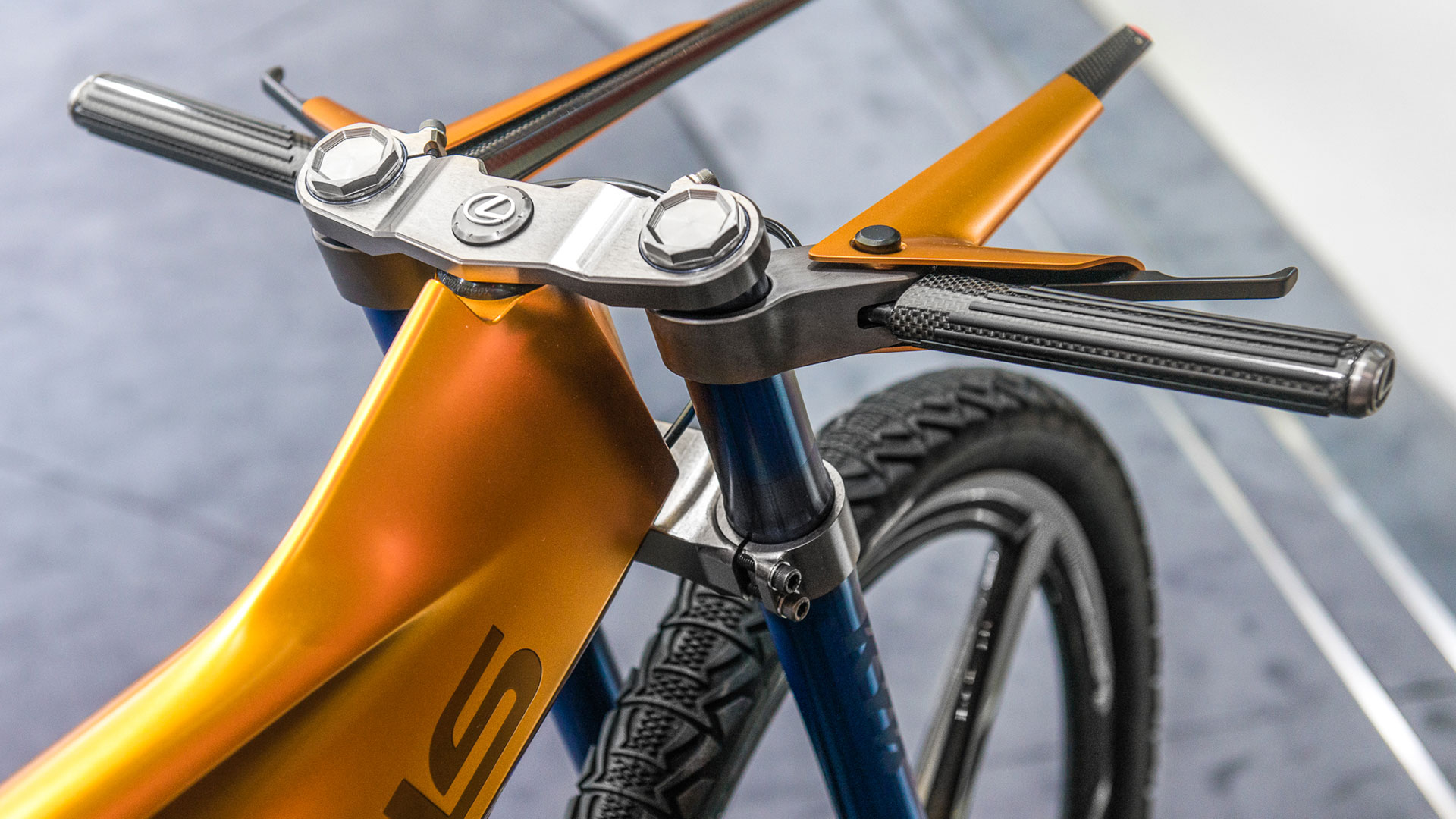 Lexus F SPORT Bike hero asset
