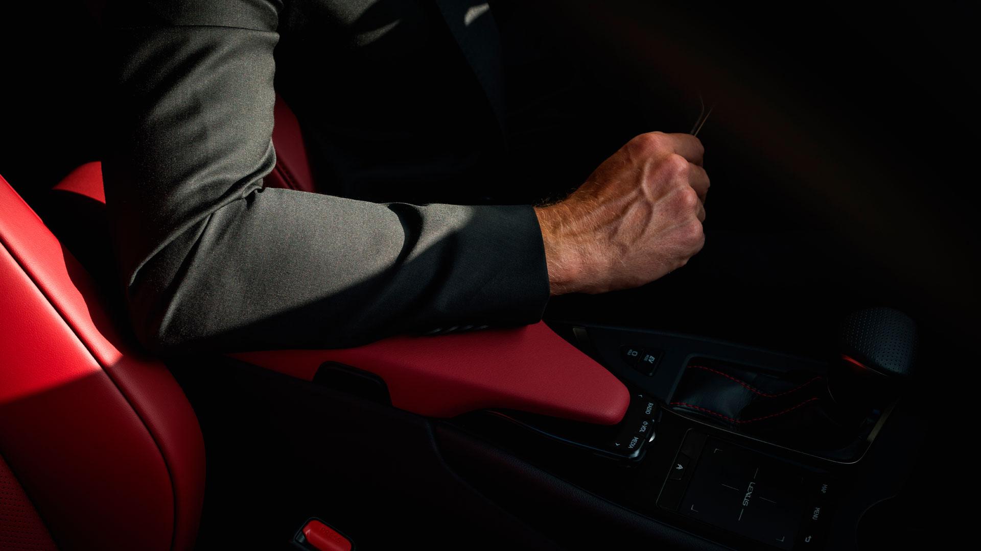 Imagen de un Lexus hibrido