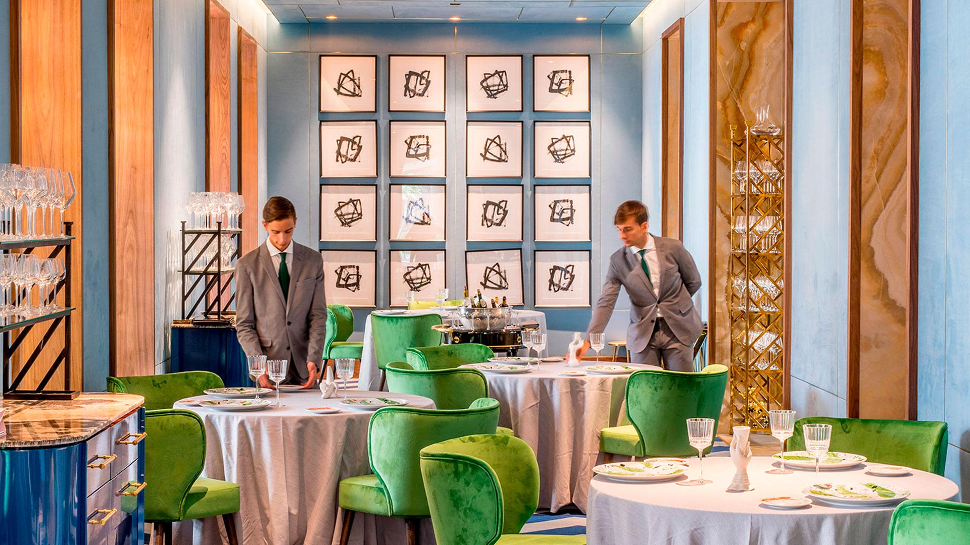 Interior del restaurante Coque en Madrid diseñado por Jean Porsche