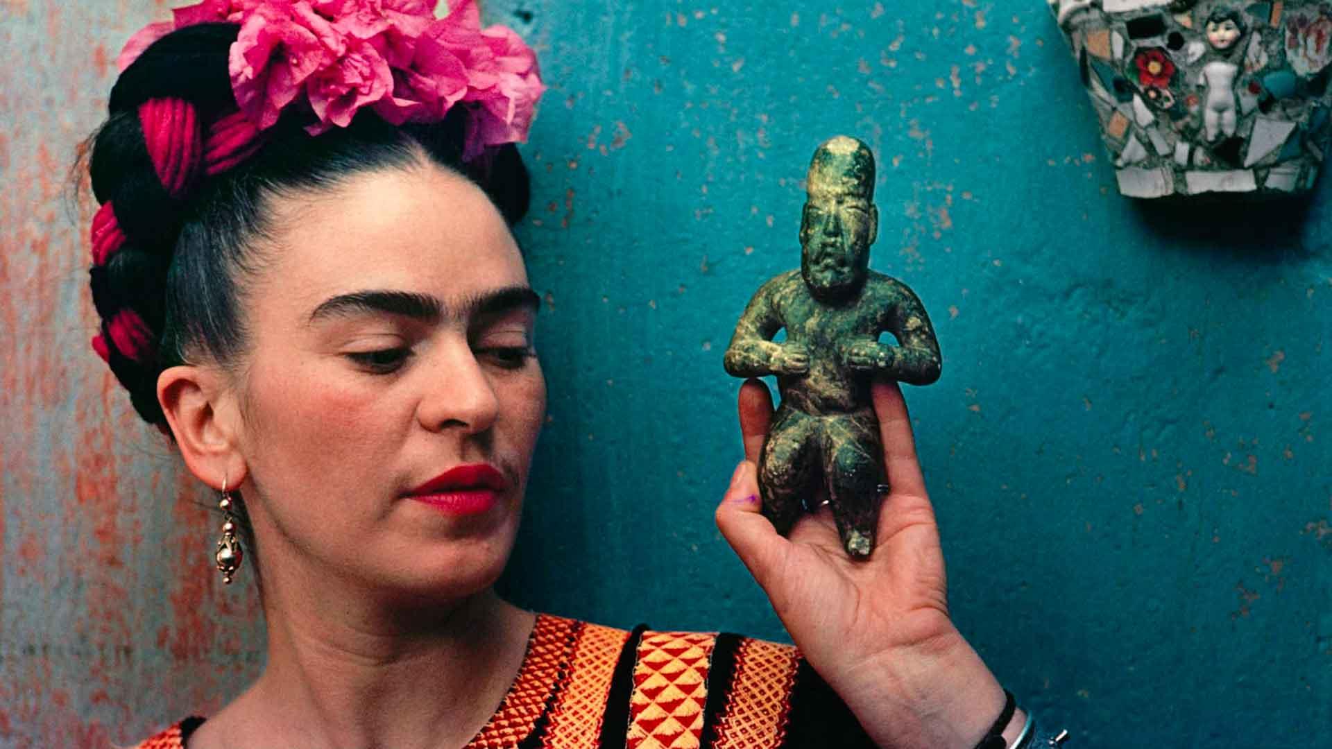 Frida's Wardrobe hero asset