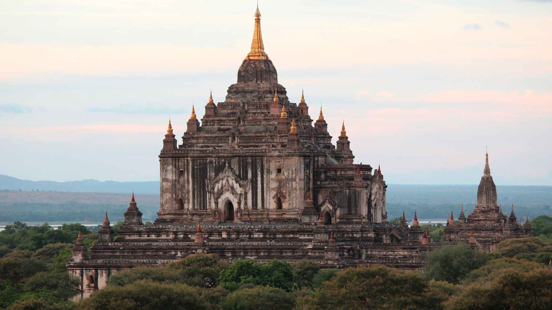 La dorada Myanmar… by NUBA hero asset