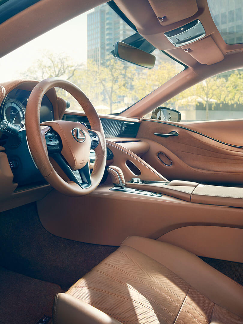 lc 500h interior 1080x810 asset