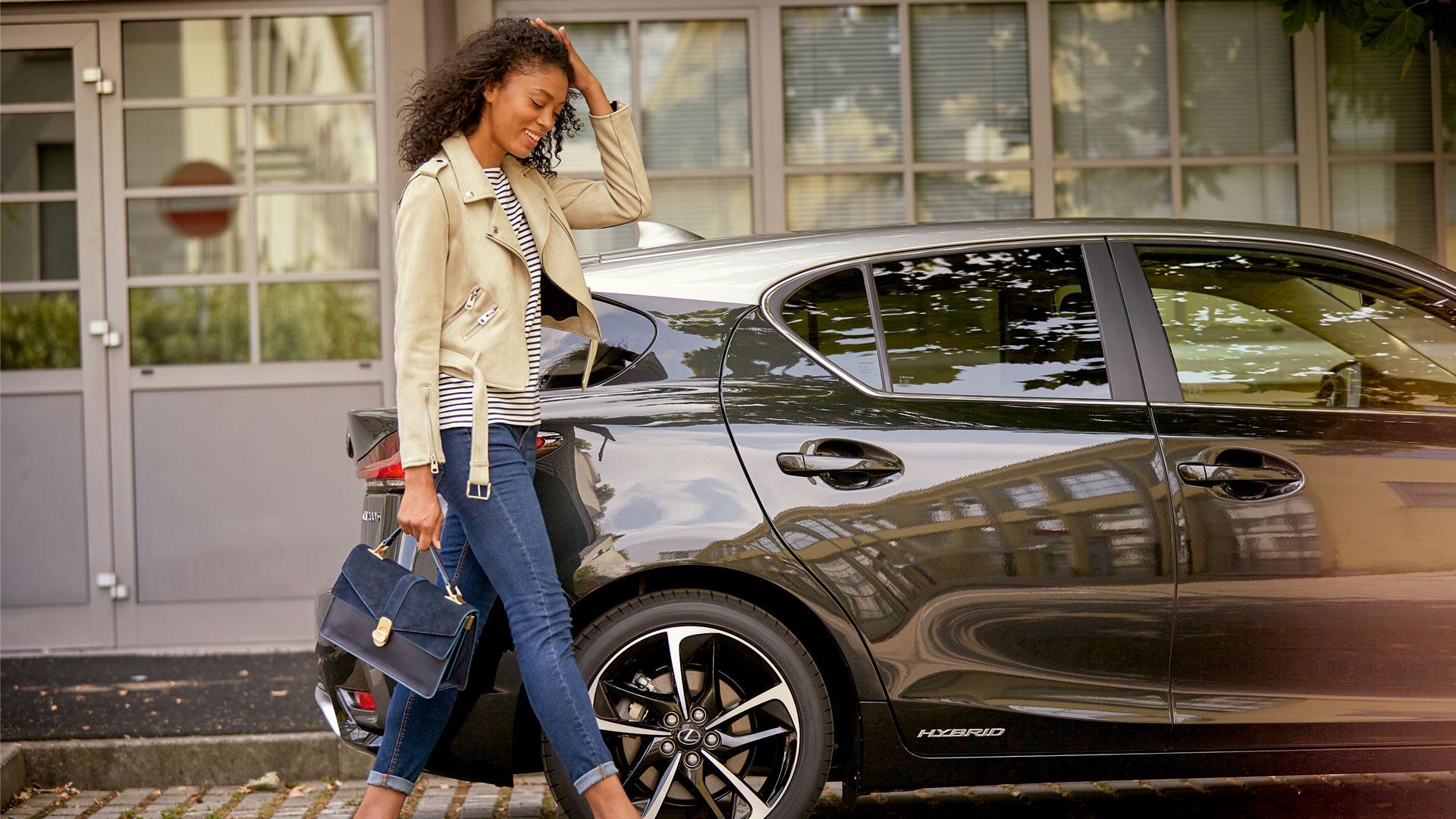 Lexus lanza el CT 200h Black Grey Edition hero asset