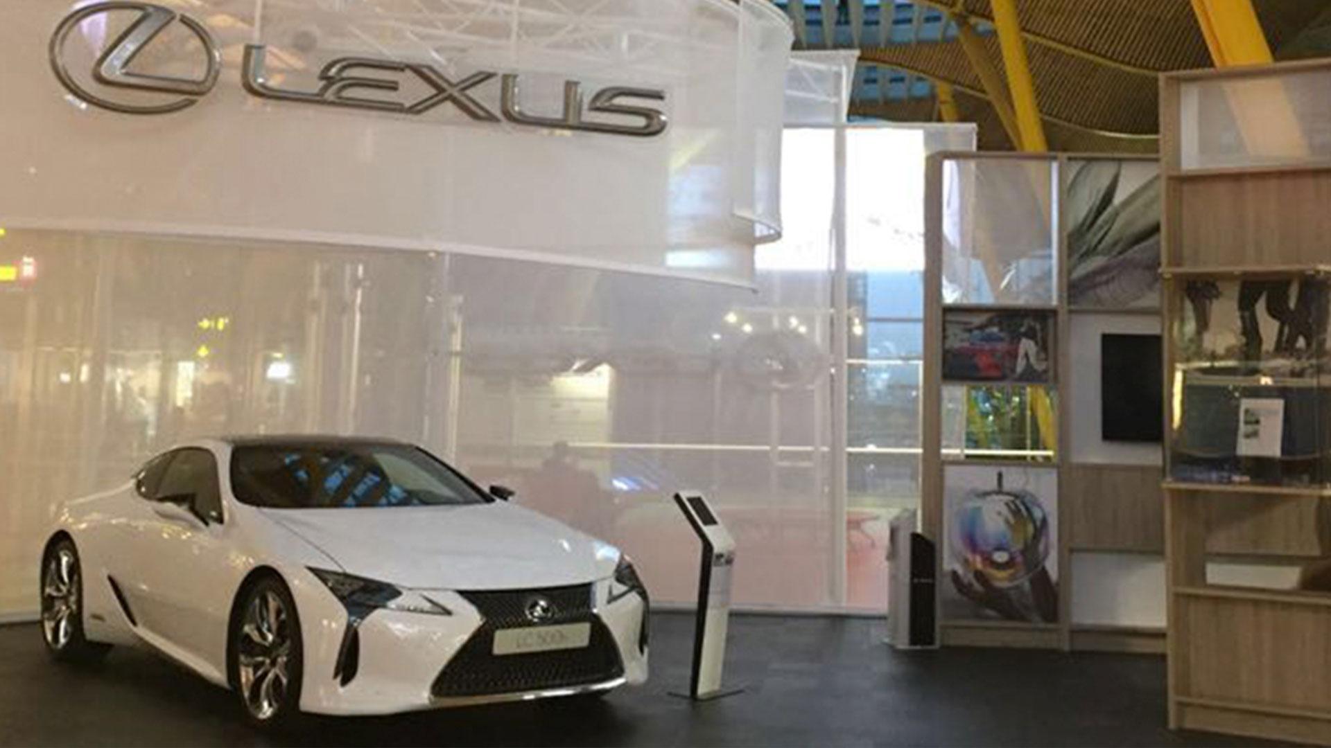 Lexus en el aeropuerto de madrid hero asset