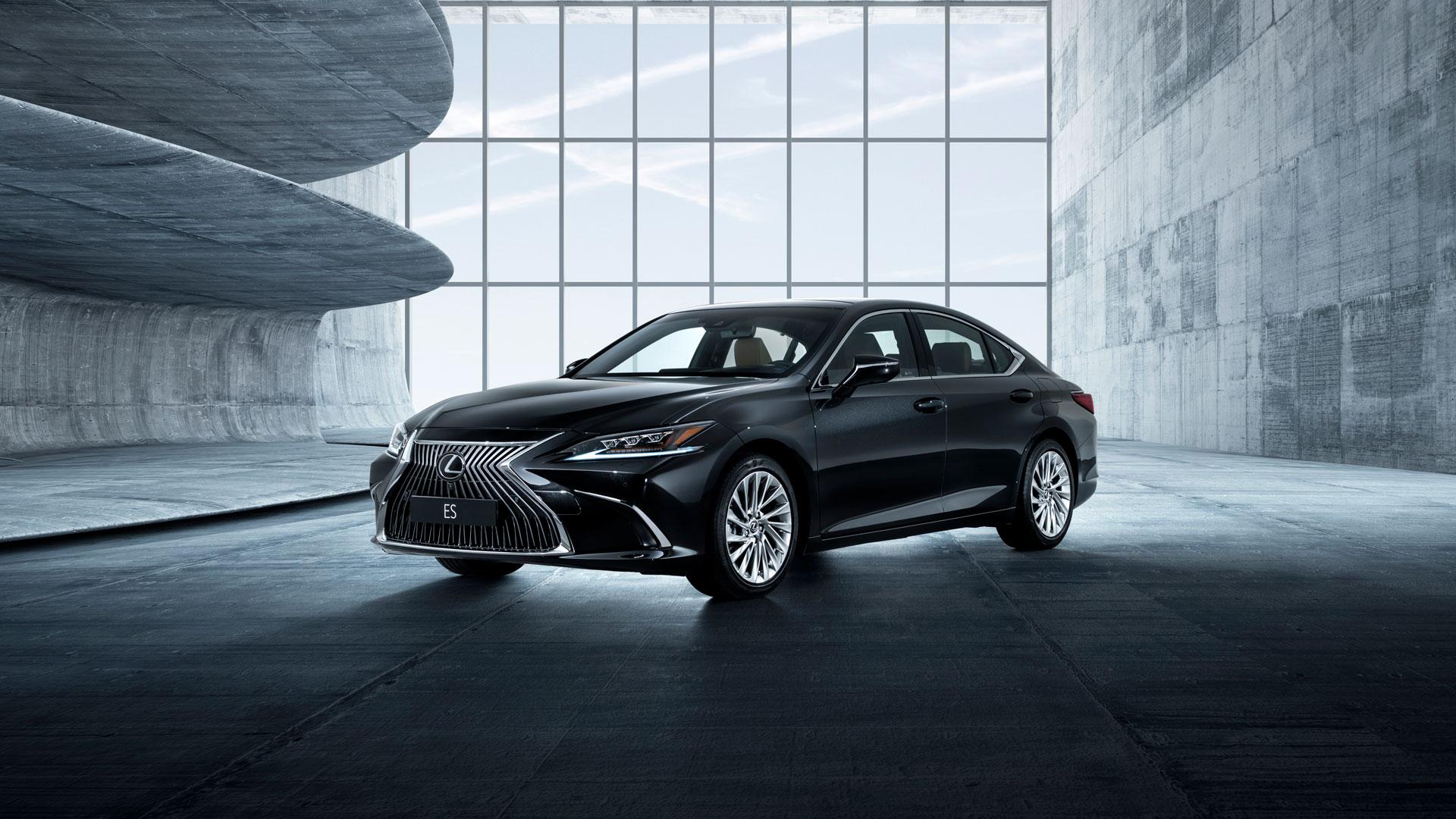 Nuevo Lexus ES 300h hero asset