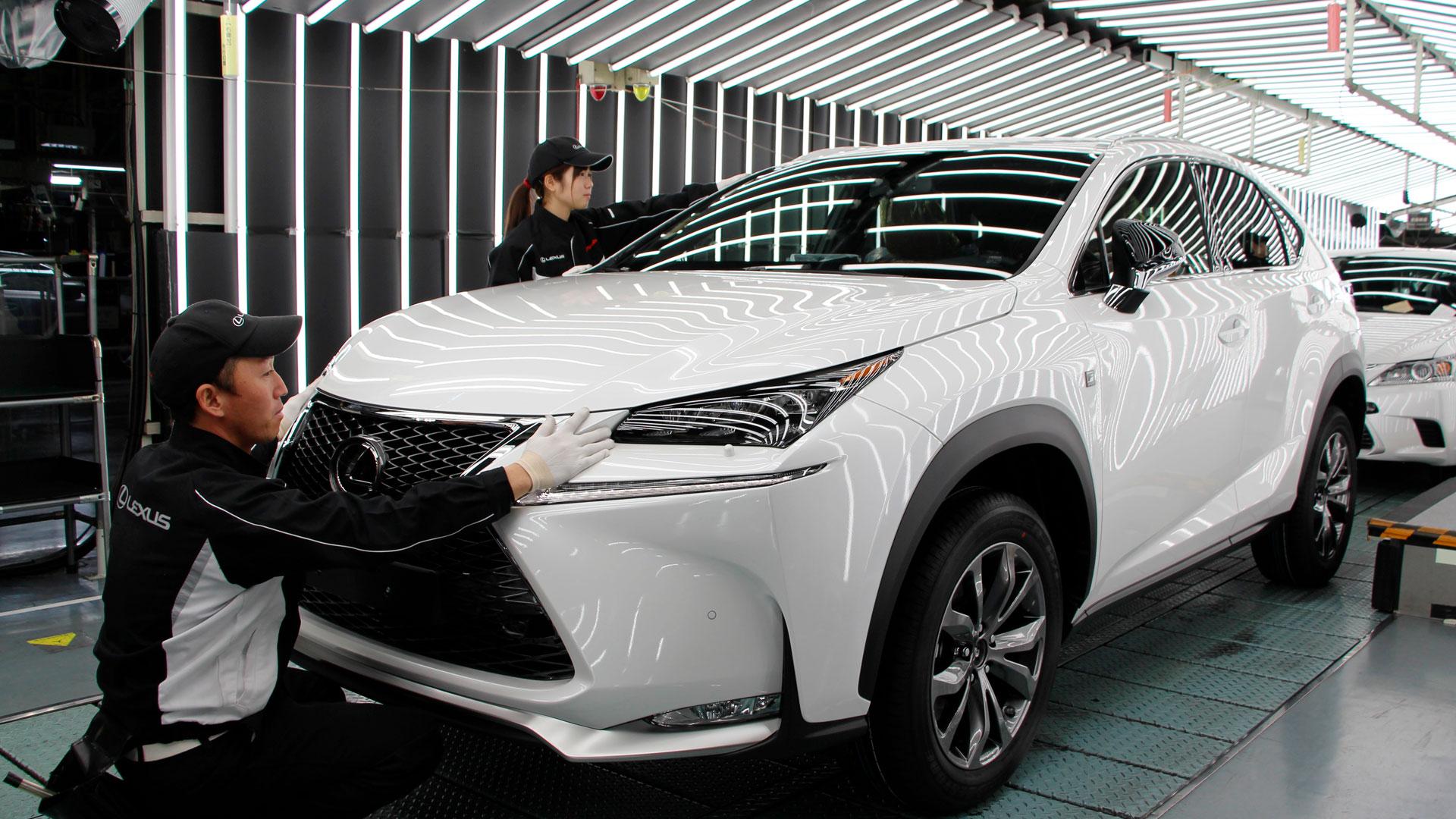 Imagen de un vehículo Lexus