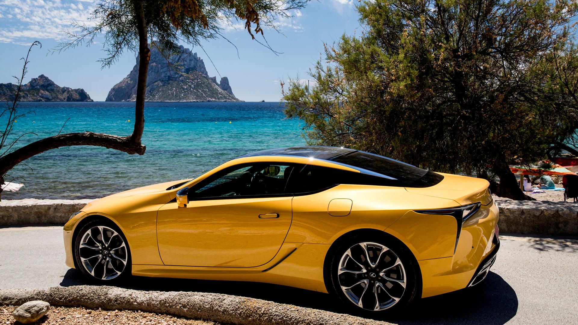 Lexus LC 500h Yellow Edition hero asset