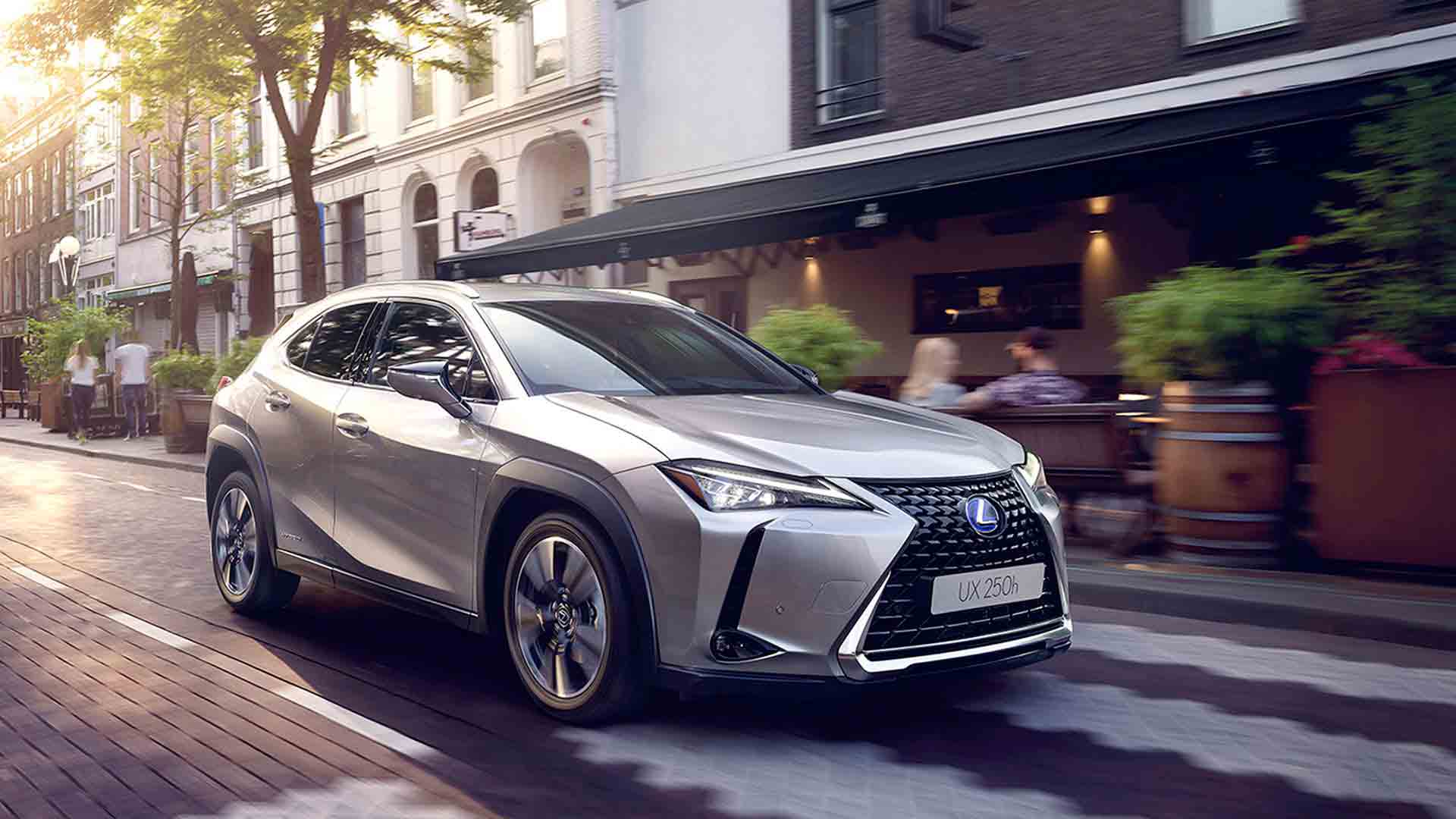 Nuevo Lexus UX 250h 2018 hero asset