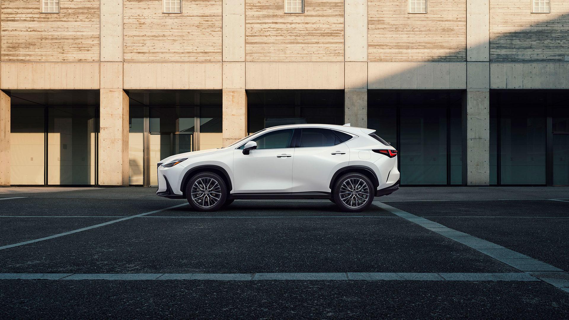 Nuevo Lexus NX siéntete más seguro hero asset