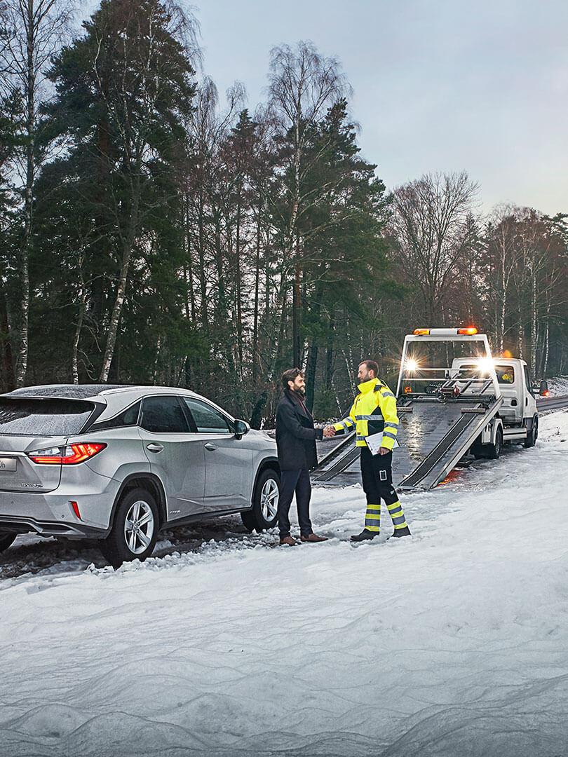 2020 lexus uk centre reopening 04 roadside assistance