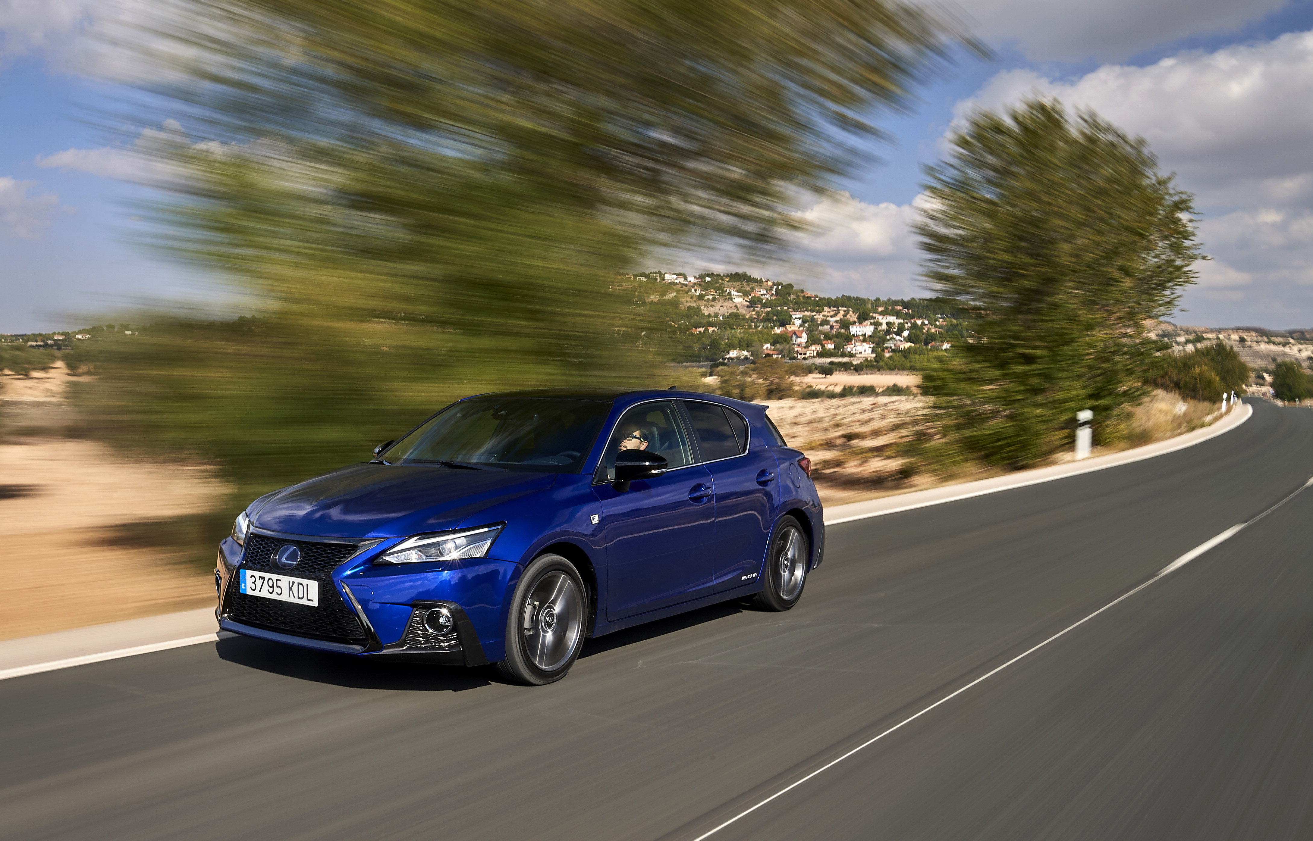 lexus ct 200h award three decades image
