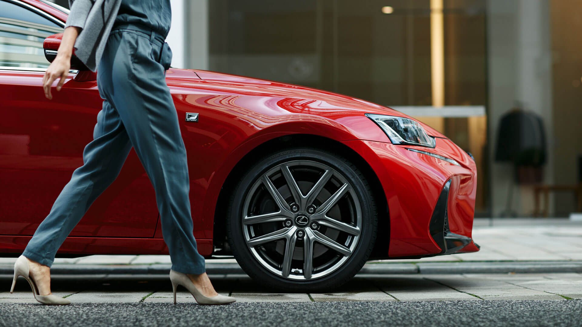 2017 lexus is gallery 011 lifestyle