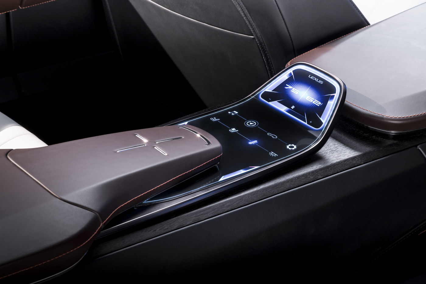Lexus LF 1 Limitless studio 16