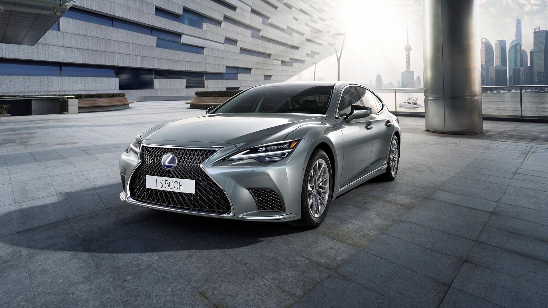 Nieuwe Lexus LS 500h ultiem soepel accelereren