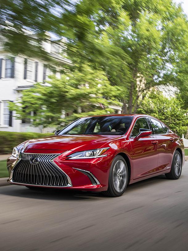 2020 007 Lexus ES beste score ooit betrouwbaarheidsonderzoek portrait