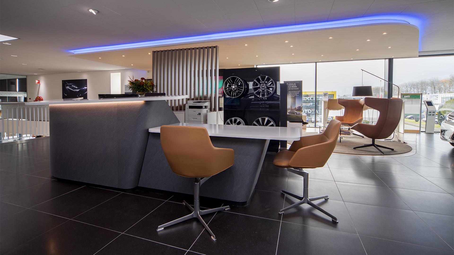 Showroom van Lexus Groningen