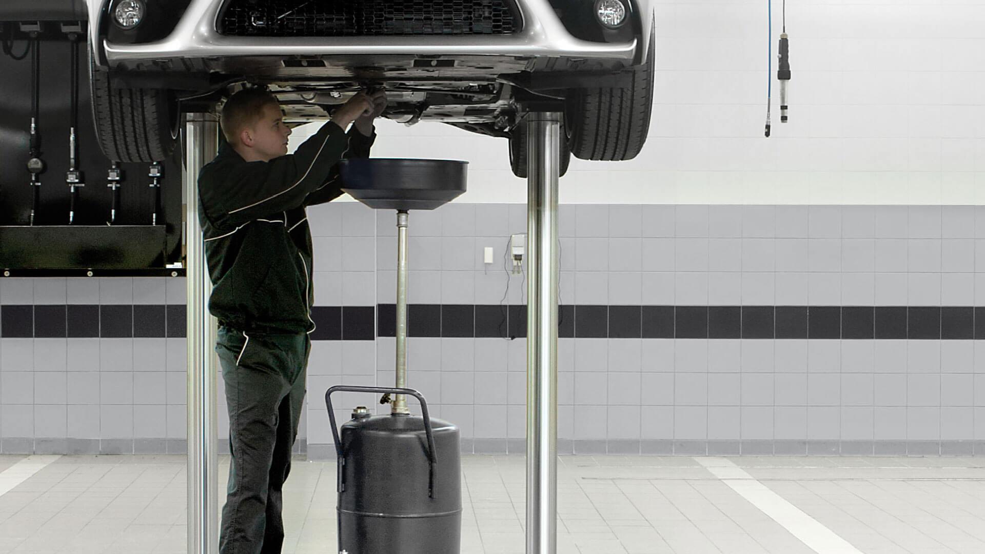 Onderhoud bij een werkplaats voor een Lexus