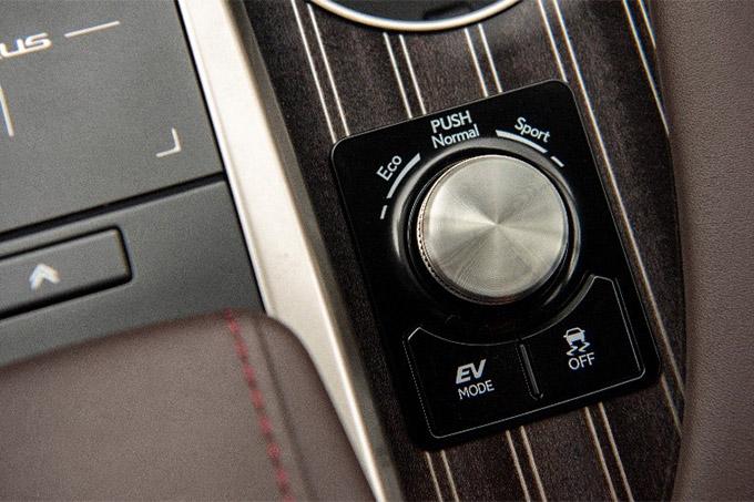 2020 001 lexus rx modeljaar 2020 IMG2 drive mode select 680