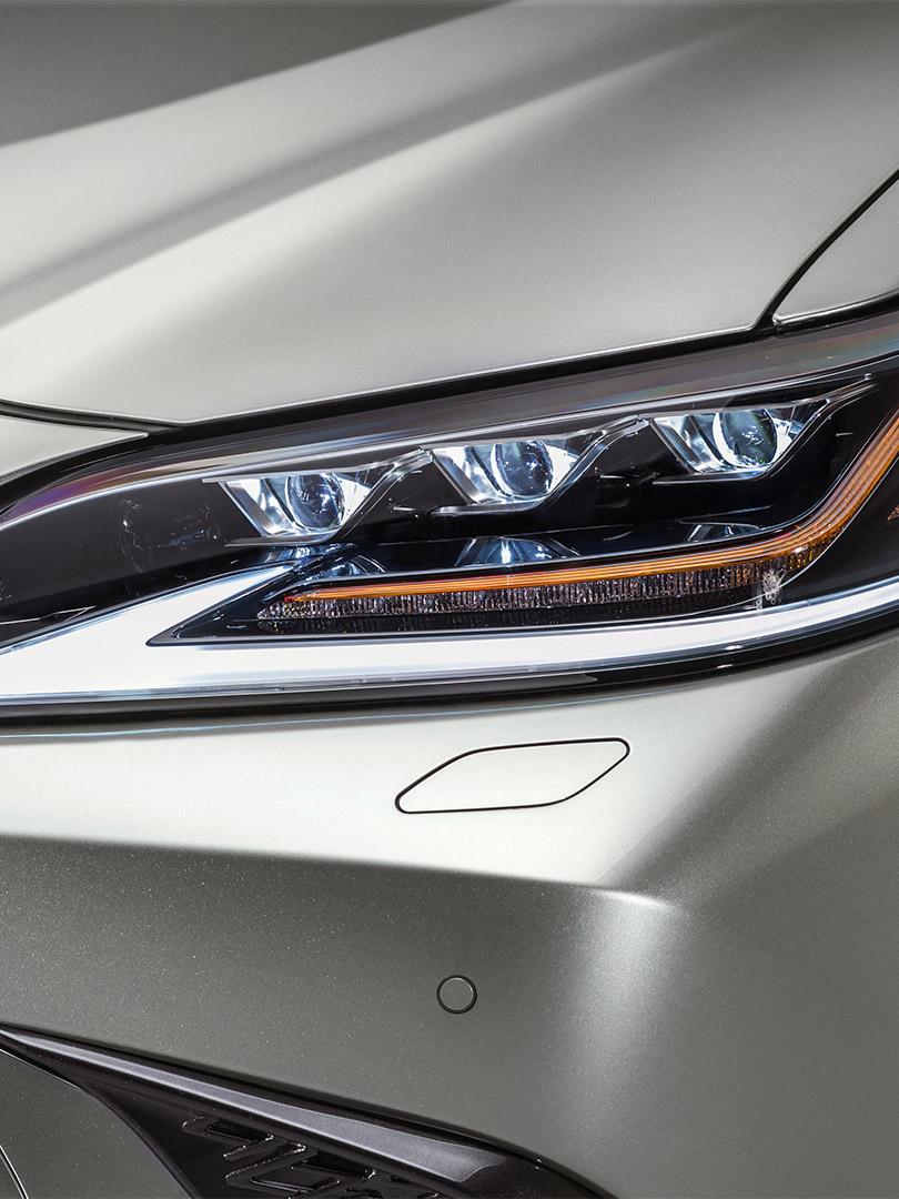 De nieuwe Lexus ES dynamisch en verfijnd veiligheid