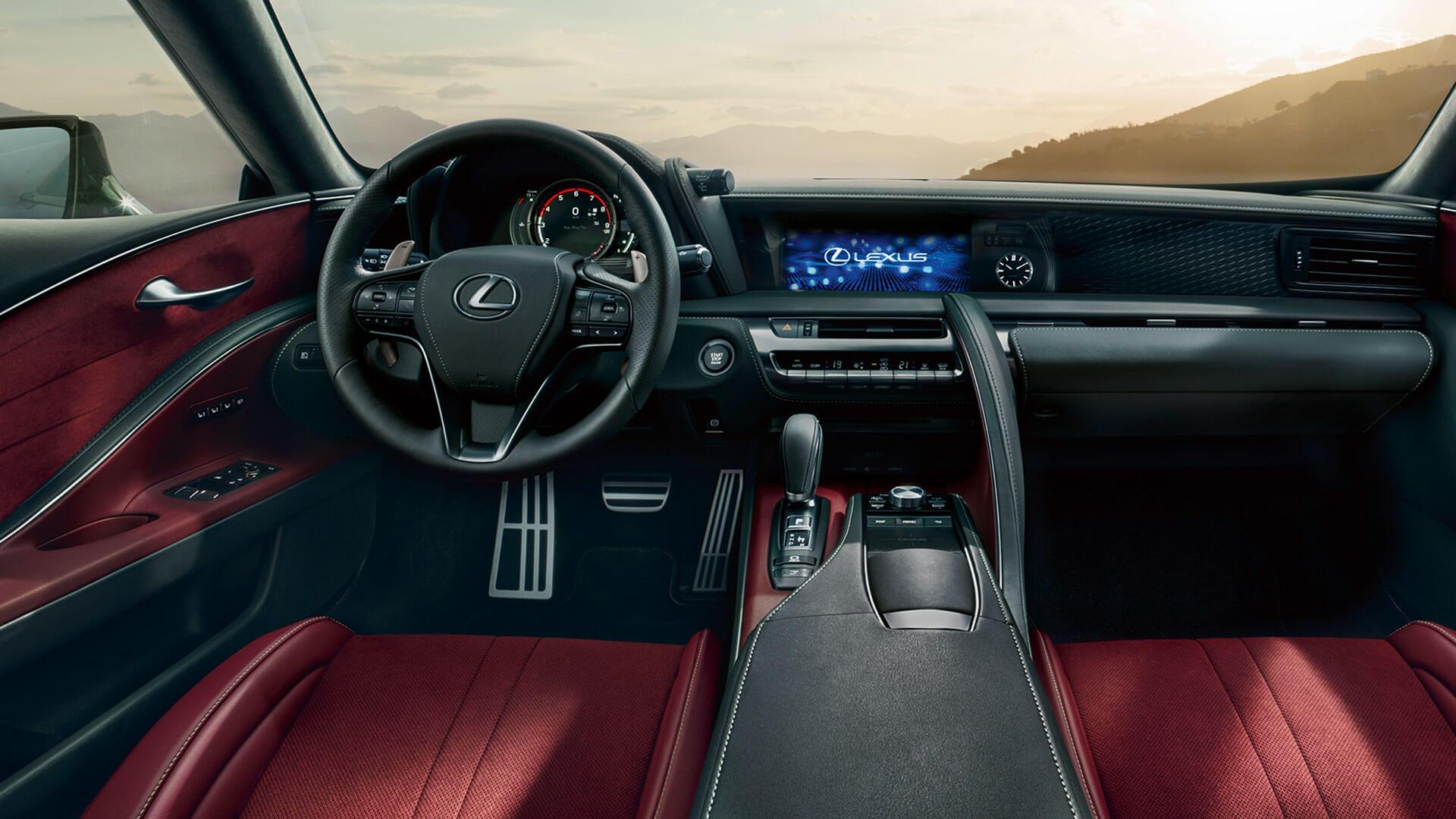 Luksuskupéen Lexus LC 500h interiør