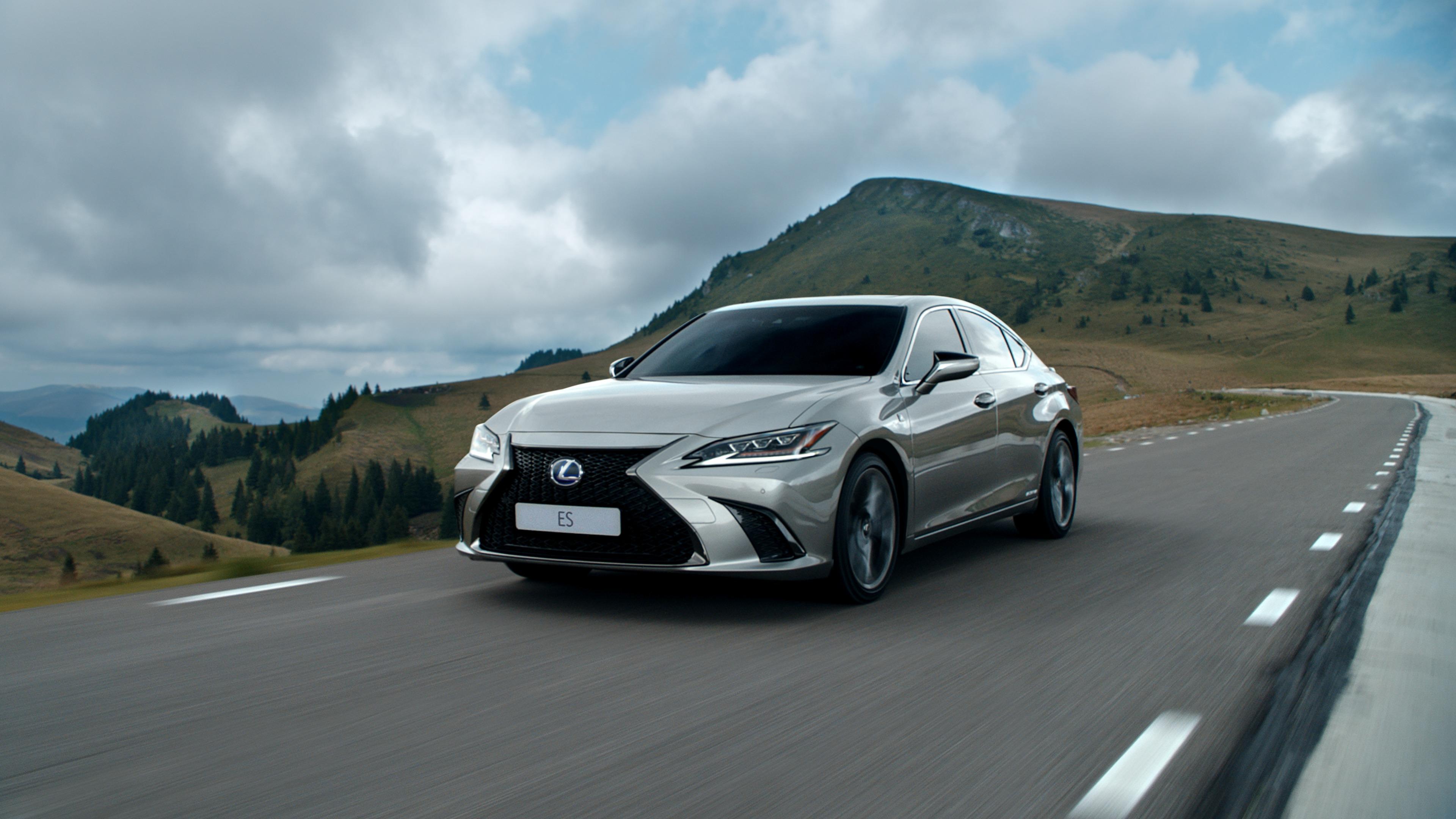 Consumo de combustivel real do Lexus ES hibrido confirmado em Ecotest ADAC