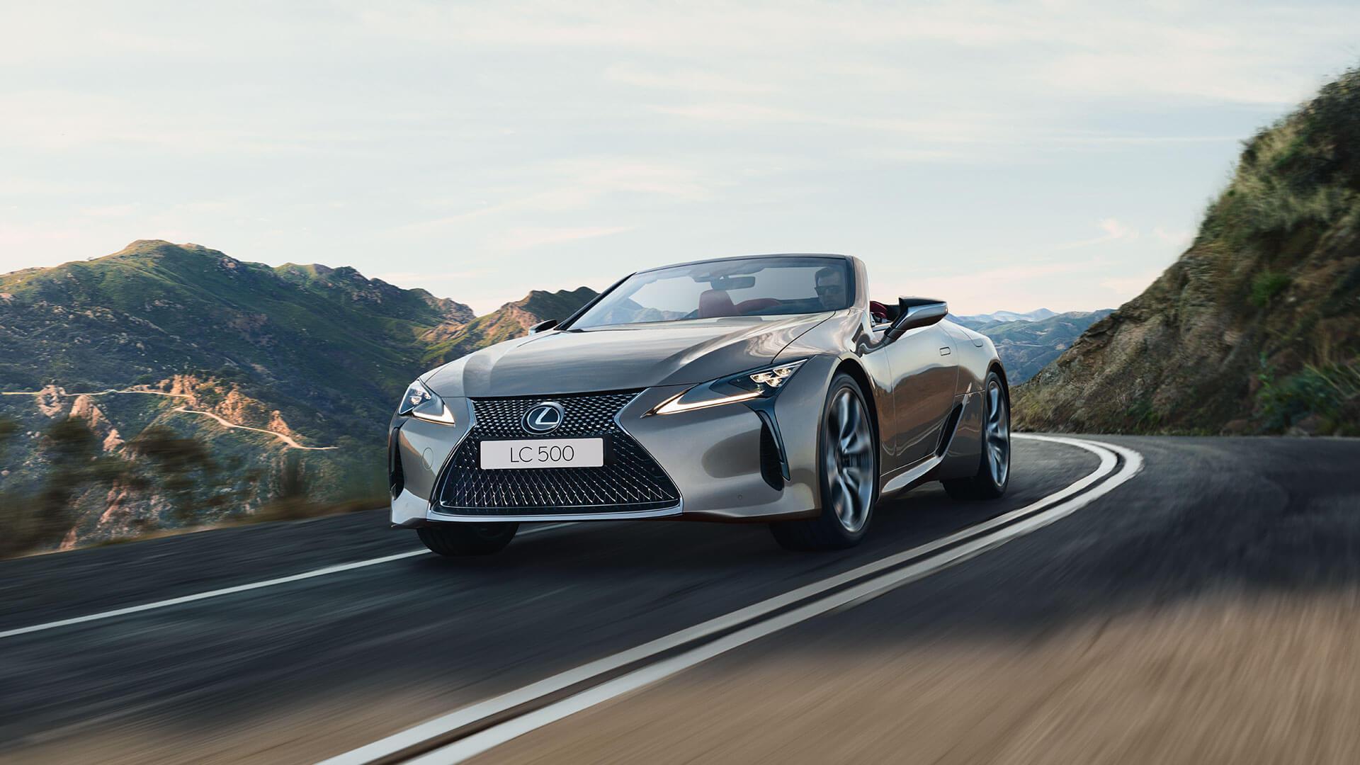 LC Convertible Best Luxury Car Award 04