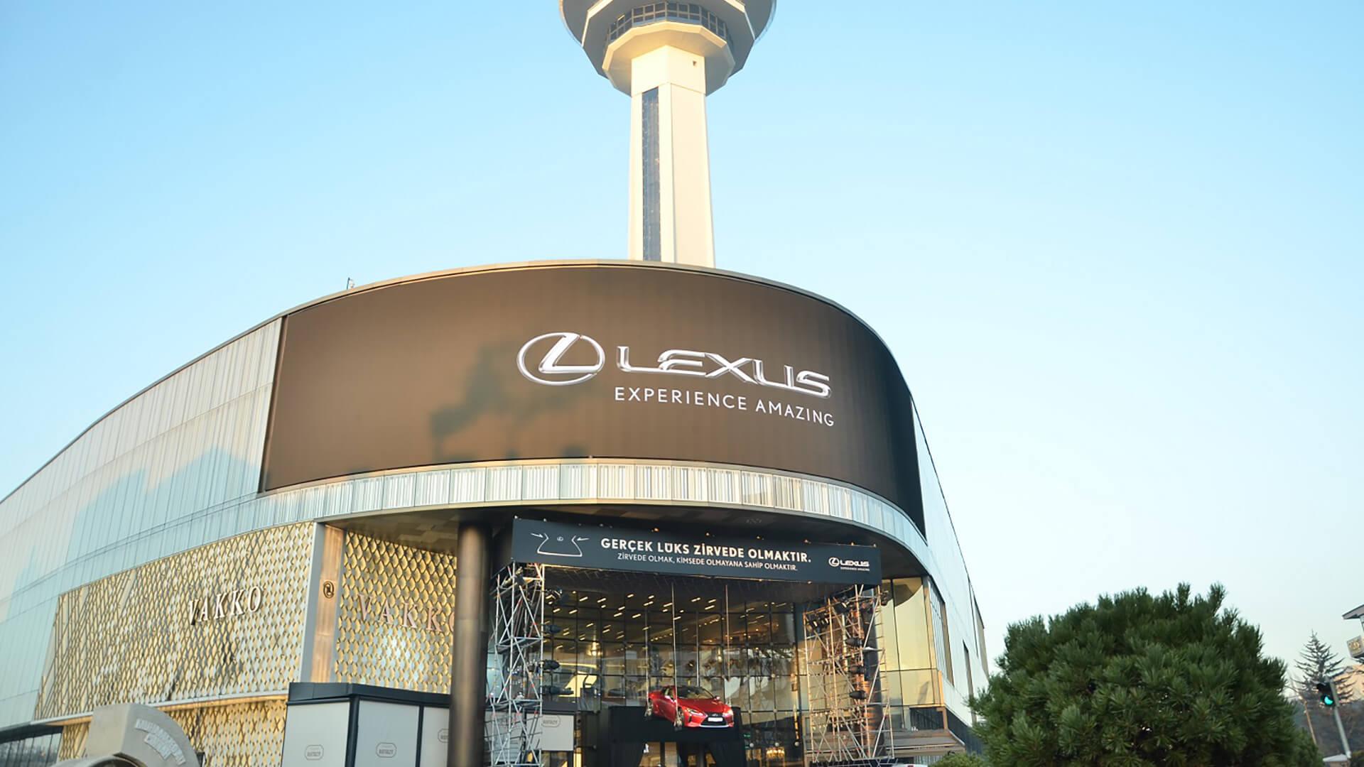 Lexus LC 500 zirvede ucuyor gallery01