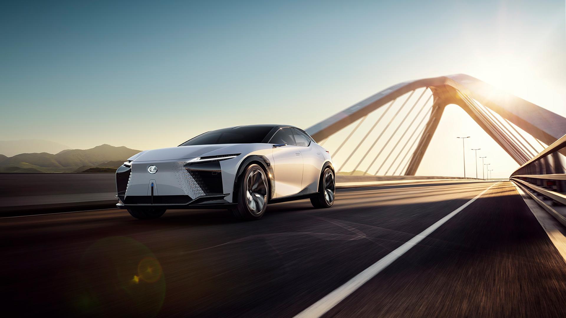 Lexus 2025'e Kadar 20 Elektrik Motorlu Model Tanıtacak gallery02