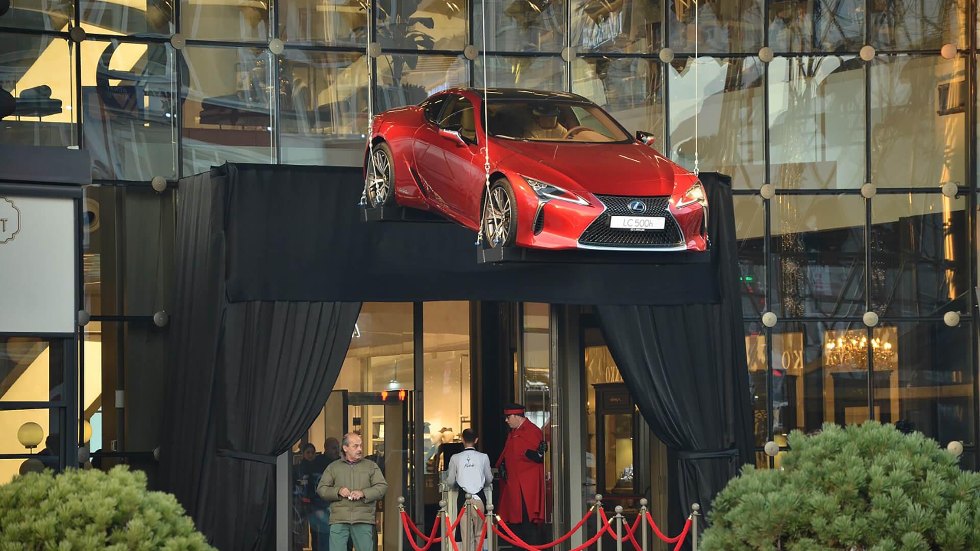 Lexus LC 500 zirvede ucuyor gallery02