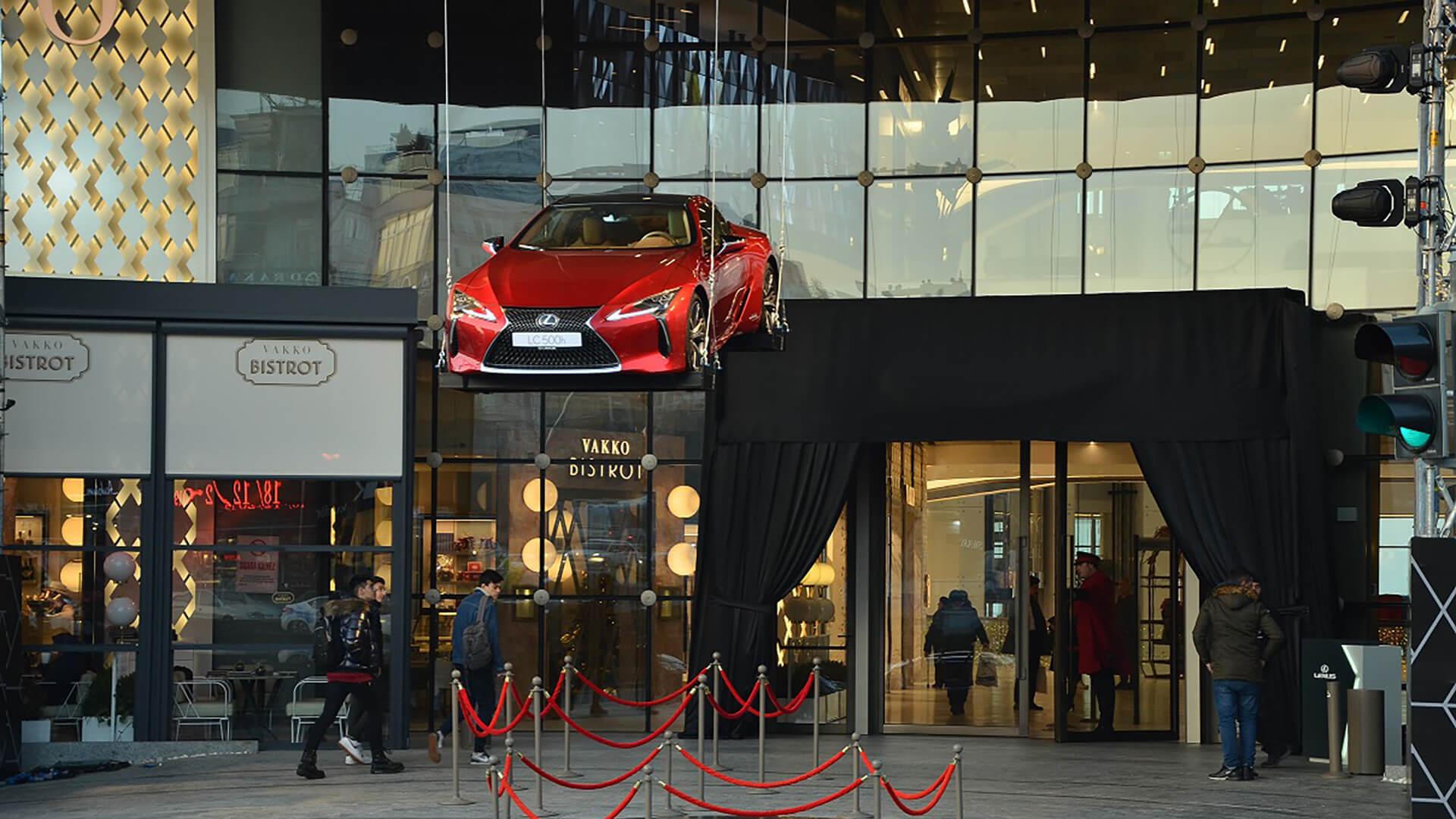 Lexus LC 500 zirvede ucuyor gallery04