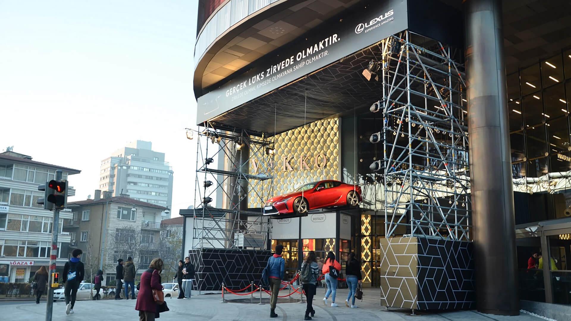 Lexus LC 500 zirvede ucuyor gallery05