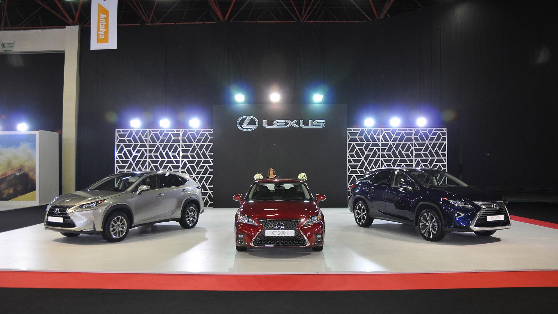 Lüksün Simgesi Lexus Antalya Otoshow'da Geleceğin Teknolojisini Tanıttı